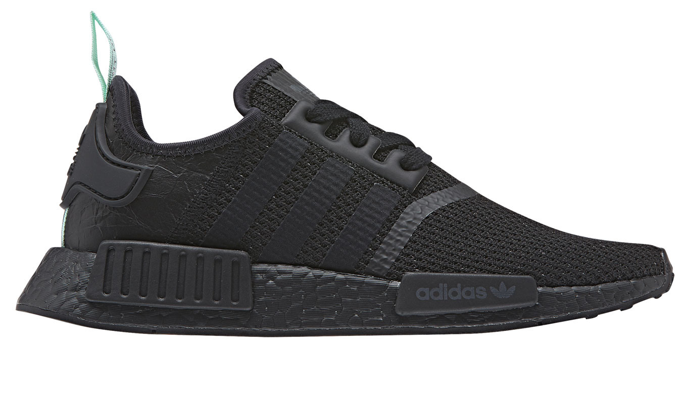 timeless design 4ae92 7cd81 adidas NMD R1